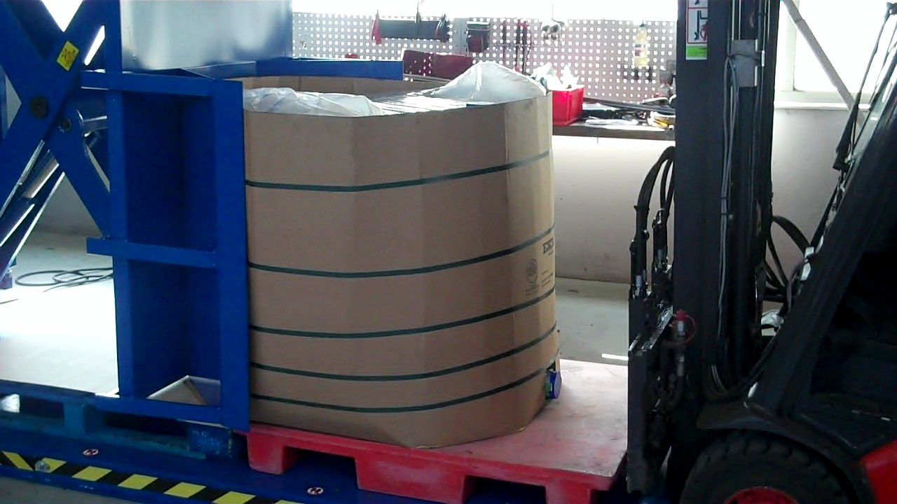 Stationairy Pallet Changer with octabin