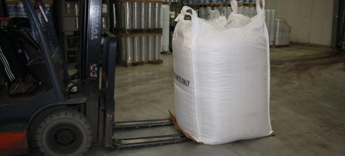 Safe, hygienic and rapid FIBC handling using ROLLERFORKS